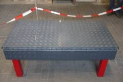 Abschliessbarer-beschichteter-Alublechtisch-3