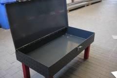 Abschliessbarer-beschichteter-Alublechtisch-5